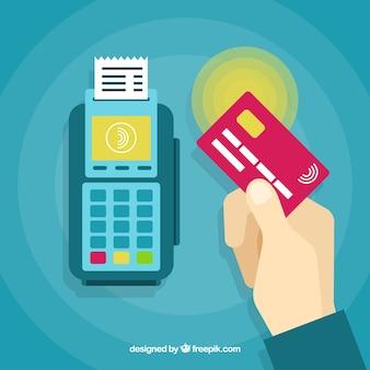 Platte hand betalen met creditcard Gratis Vector