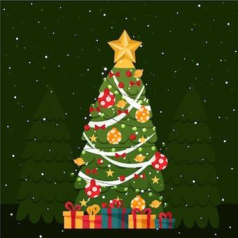 Platte kerstboom met decoraties en geschenken