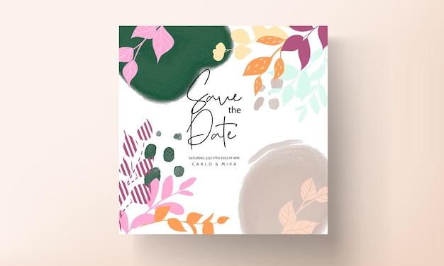 Platte ontwerp bruiloft uitnodigingskaart met kleurrijke bloemen