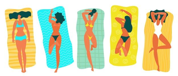 Platte ontwerp jonge vrouw ontspannen op het strand