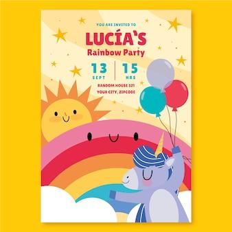 Platte regenboog verjaardagsuitnodiging met eenhoorn