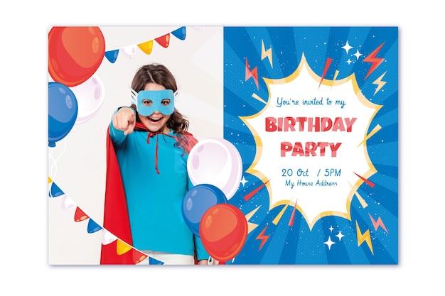 Platte superheld verjaardag uitnodiging sjabloon met foto