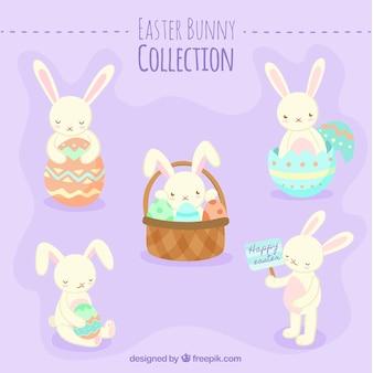 Platte verpakking van vijf easter konijnen
