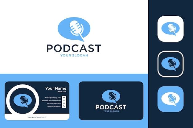 Podcast met bubble chat-logo-ontwerp en visitekaartje