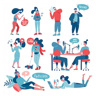 Podcast opnemen en grote set luisteren. man en vrouw, mensen die met microfoons bij lijst zitten die online radiostreaminhoud maken en met hoofdtelefoons, telefoons luisteren. vlakke afbeelding