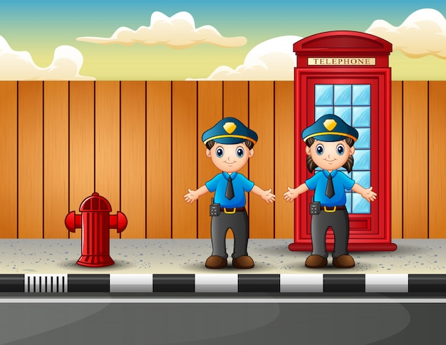 Politieman mannelijk en vrouwelijk op de stadsstraat