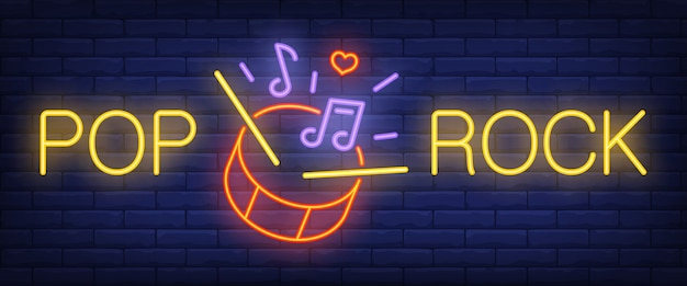 Pop, rock neontekst met drum, sticks en muzieknoten
