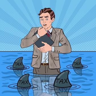 Popart bezorgd hulpeloos zakenman zwemmen met haaien.