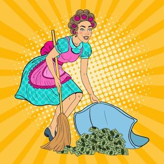 Popart jonge huisvrouw geld verbergen onder het tapijt.