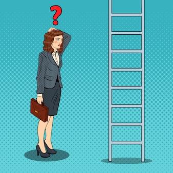 Popart twijfelachtig zakenvrouw opzoeken op ladder.