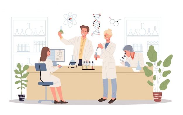 Positieve laboratoriummedewerkers die monsters analyseren