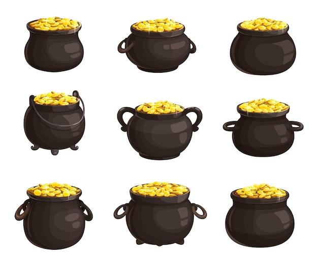 Pot met gouden munten geïsoleerde iconen van st. patricks day. cartoon verschillende ketels vol gouden munten. kabouter schatkist, patricks day vakantiesymbolen. ijzeren potten met handvatten
