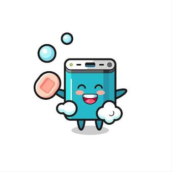 Powerbank-personage baadt terwijl hij zeep vasthoudt, schattig stijlontwerp voor t-shirt, sticker, logo-element