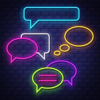 Praat bubble neonreclames collectie. chat ballonnen tekenen. neonreclames.
