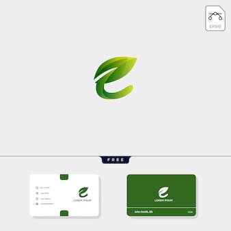 Premium eerste e nature leaf creatieve logo sjabloon en visitekaartjesjabloon