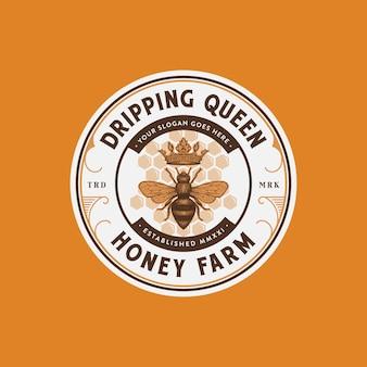 Premium honingboerderijlogo met bijenkoningin vectorillustratie