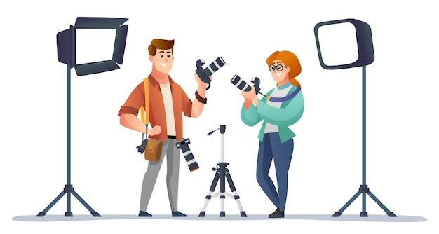 Professionele mannelijke en vrouwelijke fotograaf met illustratie van fotografieapparatuur
