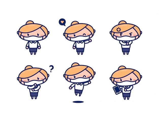 Professionele vrouwelijke kantoor werknemer cute cartoon karakter met blond haar en formele kleding dragen gezichtsmasker