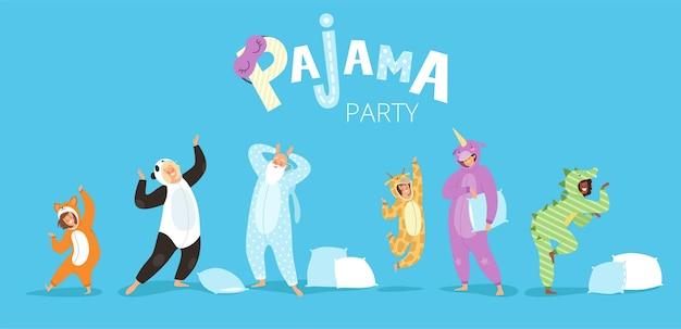 Pyjama's mensen. grappige karakters kinderen vrouw en man in leuke nachtkleding gekleurde kostuums pyjama textiel.