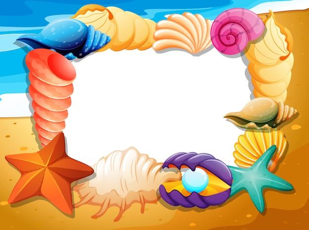 Randsjabloon met schelpen op strand