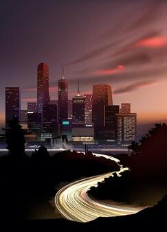 Realistisch nachtelijk stadsgezicht met wolkenkrabbers en weg met lichten van de beweging van auto's