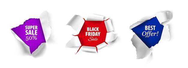 Realistisch ontwerpconcept met zwarte vrijdag super verkoop beste aanbieding tekst op wit in gescheurde papieren gaten geïsoleerd