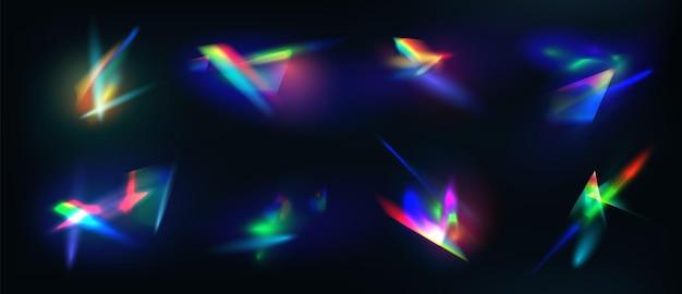 Realistische diamantreflectie, regenbooglicht optisch effect. kristal, sieraden, prisma of lensflare. iriserende gloeiende sparkles vector set. kleurrijke spectrumgloedcollectie, heldere stralen