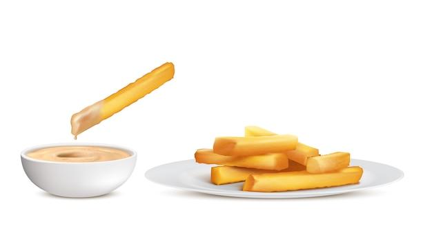 Realistische gouden frieten, hoop van gefrituurde aardappelstokken in witte plaat en kom met saus