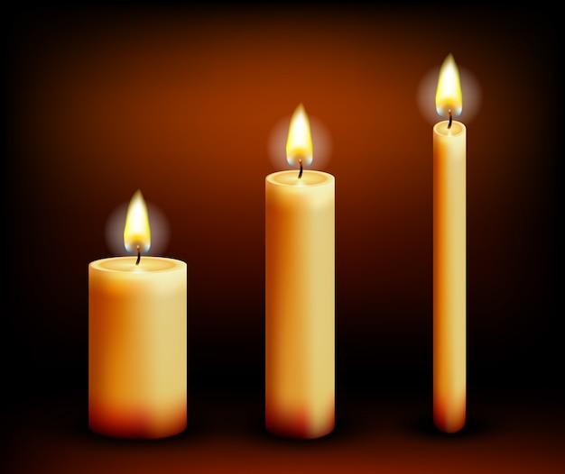 Realistische kaarsen in verschillende vormen. was en vlammen, vuur en paraffine. vector illustratie