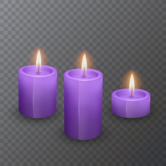 Realistische kaarsen van paarse kleur, brandende kaarsen