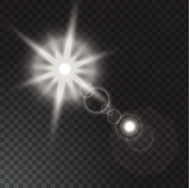 Realistische lichtbundels op transparante achtergrond.