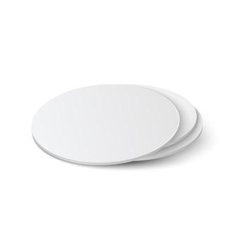 Realistische ronde tafel onderzetters mockup set. cirkel bierviltje, bierdeckel geïsoleerd op een witte achtergrond met schaduw