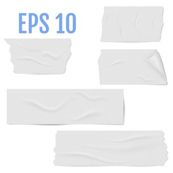 Realistische verschillende plakjes witte plakband met schaduw en rimpels geïsoleerd op een witte. kleverige plakband. illustratie