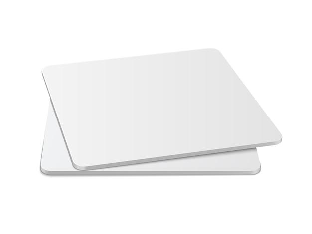 Realistische vierkante tafelonderzetters mockup set. vierkant bierviltje, bierdeckel geïsoleerd op een witte achtergrond met schaduw.