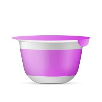 Realistische yoghurtbeker. container voor een zuivelproduct.