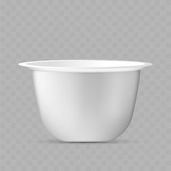 Realistische yoghurtbeker. witte container voor een zuivelproduct.