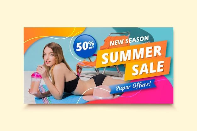 Realistische zomer verkoop sjabloon voor spandoek met foto