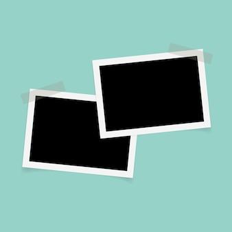 Rechthoekige fotolijsten met plakband.