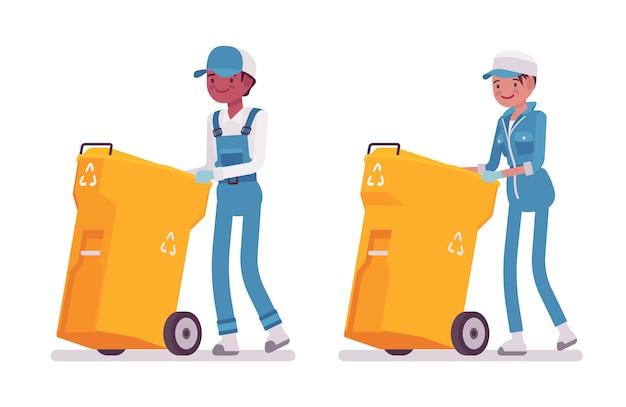 Reeks mannelijke en vrouwelijke conciërge duwende vuilnisbak