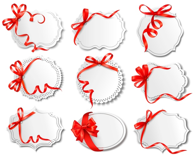 Reeks mooie kaarten met rode giftbogen met linten