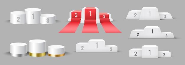 Reeks realistische podia voor winnaarbeloning. kampioenen sokkels 3d-ontwerp. toernooi en competitie overwinning ceremonie symbolen sjabloon geïsoleerd. vector illustratie