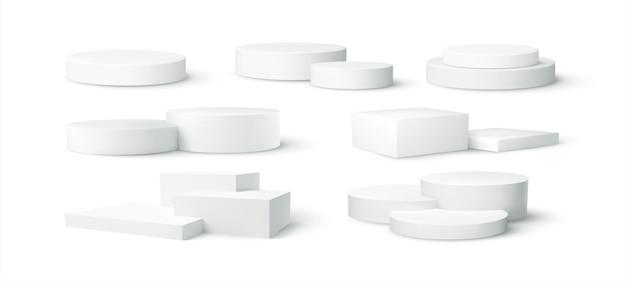 Reeks van realistische witte lege scène van het productpodium die op witte achtergrond wordt geïsoleerd