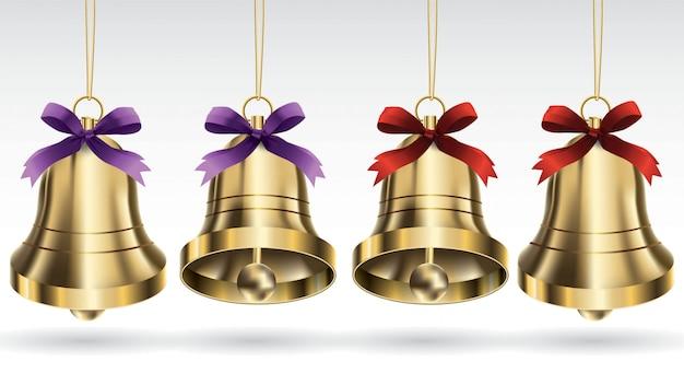 Reeks vector gouden kerstmisklokken met lint en het hangen met verschillende engel stellen. isol
