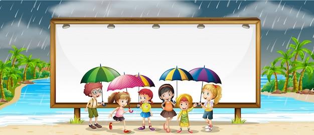 Regelsjabloon met kinderen in de regen
