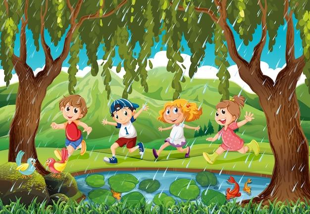 Regent scène met kinderen in het bos