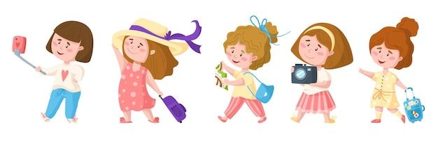 Reizende cartoon schattige mooie meisjes, kinderen reizen of vakantie clipart set Premium Vector