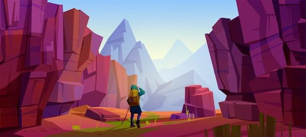 Reiziger bij bergen, reisreis, avontuur. toerist met rugzak en kaart staan op rotsachtig landschap kijken in de verte op hoge top. extreme wandel levensstijl, cartoon vectorillustratie