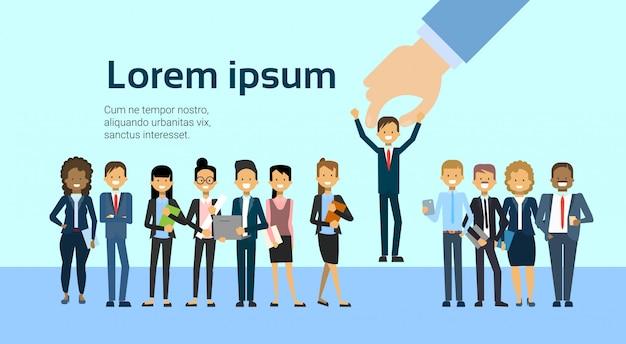 Rekruteren met de hand plukken business man voor vacature jobpositie human resources en rekrutering concept