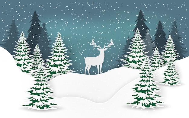 Rendier in het bos op kerstavond