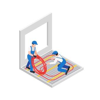 Renovatiereparatie werkt isometrische compositie met twee arbeiders die rubberen buis uitrollen